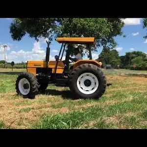 Mini trator agrícola