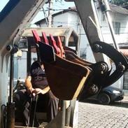 Empresa de manutenção de escavadeiras